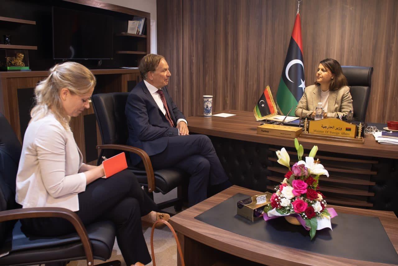 وزيرة الخارجية تتسلم أوراق اعتماد سفير هولندا