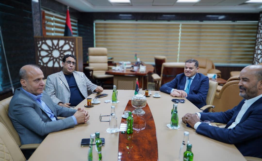 المجلس الرئاسي يجتمع برئيس حكومة الوحدة الوطنية