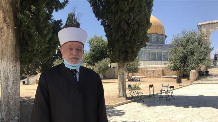 مُفتي الديار الفلسطينية يُناشد العرب والمسلمين بإنقاذ القدس