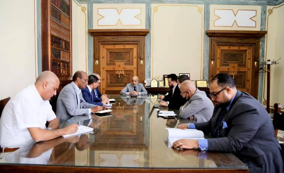 المصرف المركزي يبحث تفعيل منصة «PayPal» في ليبيا