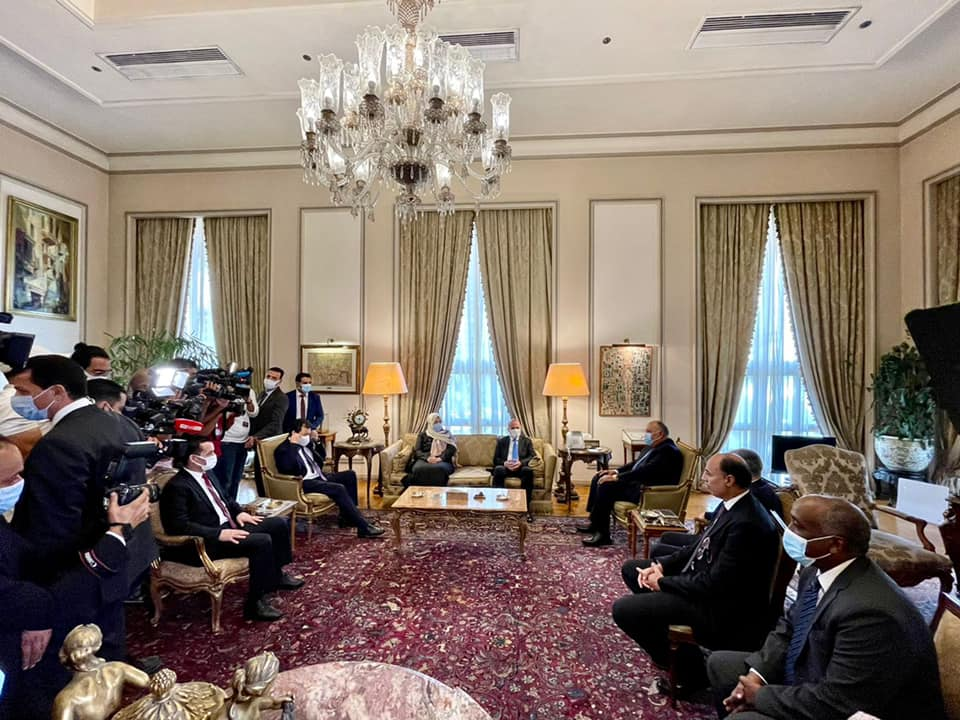 القاهرة تُؤكد استمرار دعمها لجهود الاستقرار في ليبيا