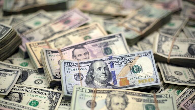 أسعار الدولار العالمية تستقر قرب أعلى مستوياتها