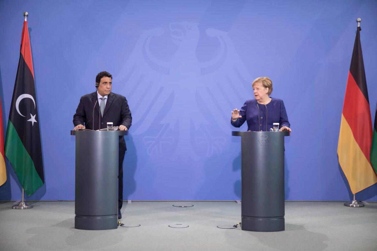 «المنفي» يعقد مؤتمراً صحفياً مع المستشارة الألمانية